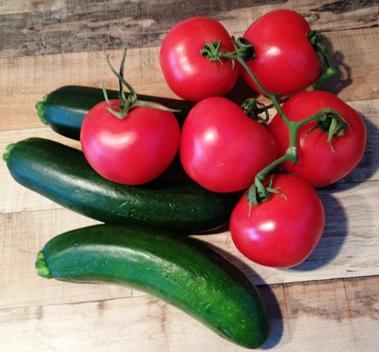 kochen wie auf mallorca mit tomaten und zucchini. Black Bedroom Furniture Sets. Home Design Ideas